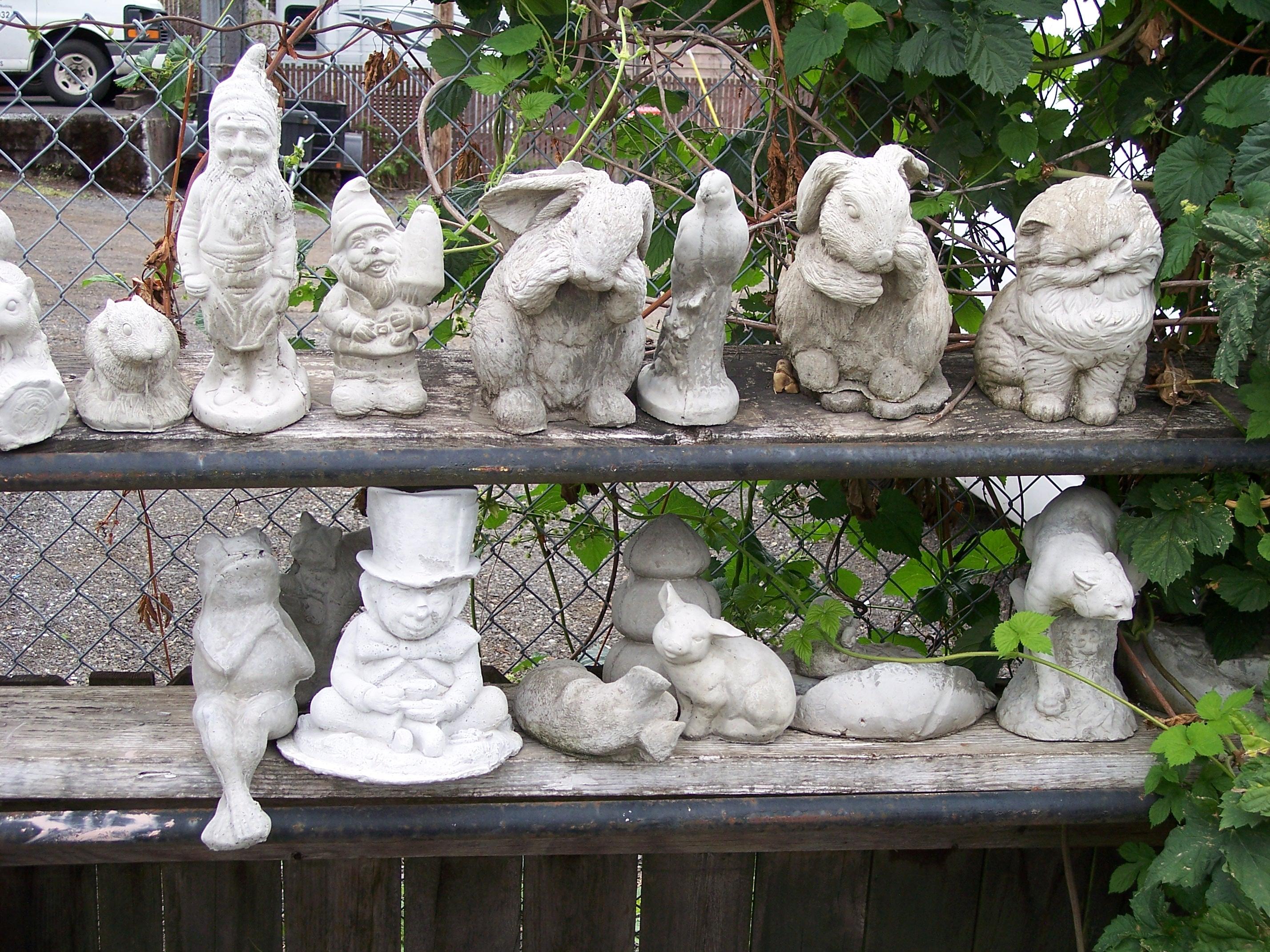 101 0240 for Garden statues portland oregon